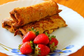 Strawberry Nutella French Toast Rollups
