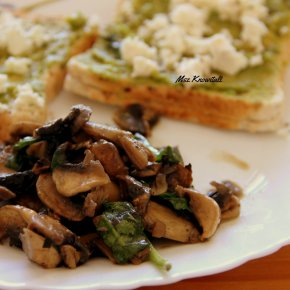 Avocado Feta Toast with Mushrooms andSpinach