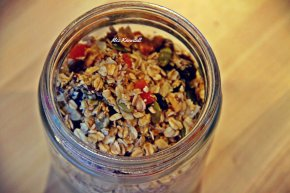 Homemade Nutty and Cinnamon Muesli